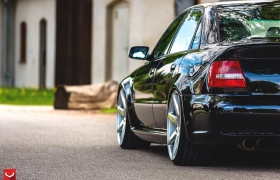 AUDI RS4 на дисках CV7
