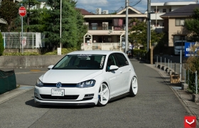 VW GTI на дисках CV3R