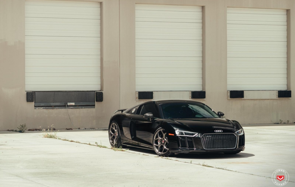 AUDI R8 - VOSSEN FORGED: CG SERIES: CG-205