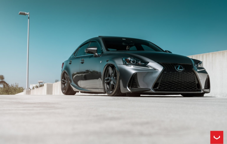 Lexus IS на Vossen HF-1