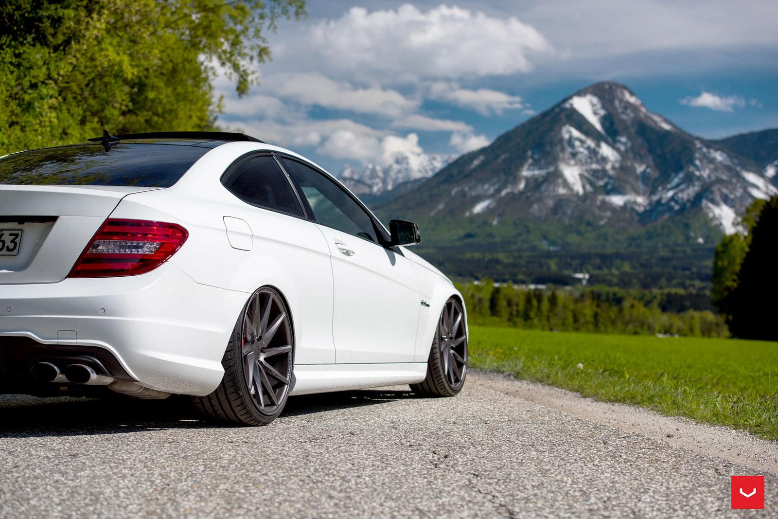 Mercedes benz c63 amg vossen cvt for Voss mercedes benz