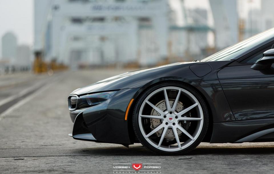 BMW I8 на дисках VPS-301